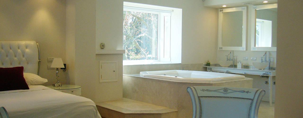 Modern Bathroom by ARQCONS Arquitectura & Construcción Modern