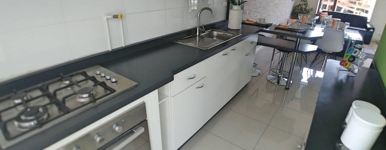 Cocina Vivienda Prada :  de estilo  por Servicios Mobiliarios LeMöbel SpA