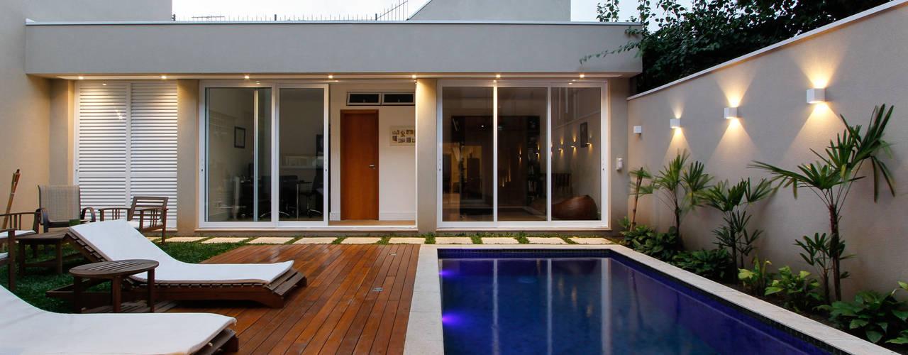 Casa Jardim Piscinas modernas por Otoni Arquitetura Moderno