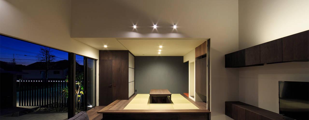 富の原の家 川添純一郎建築設計事務所 モダンデザインの 多目的室
