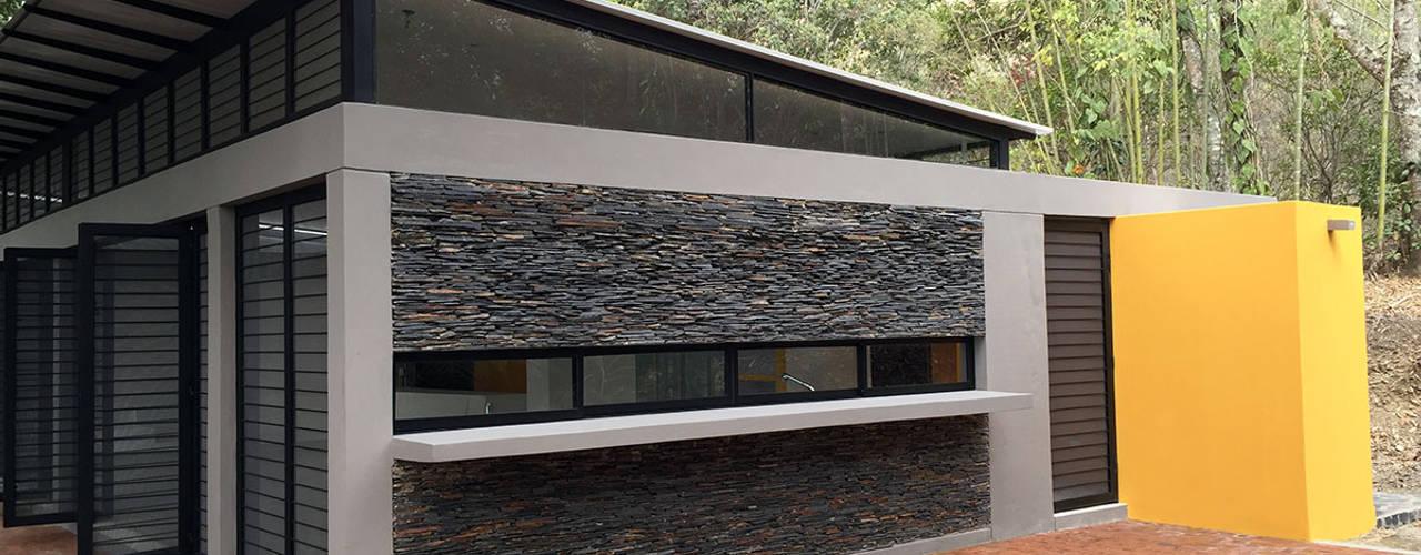 Casas de estilo  por NOAH Proyectos SAS