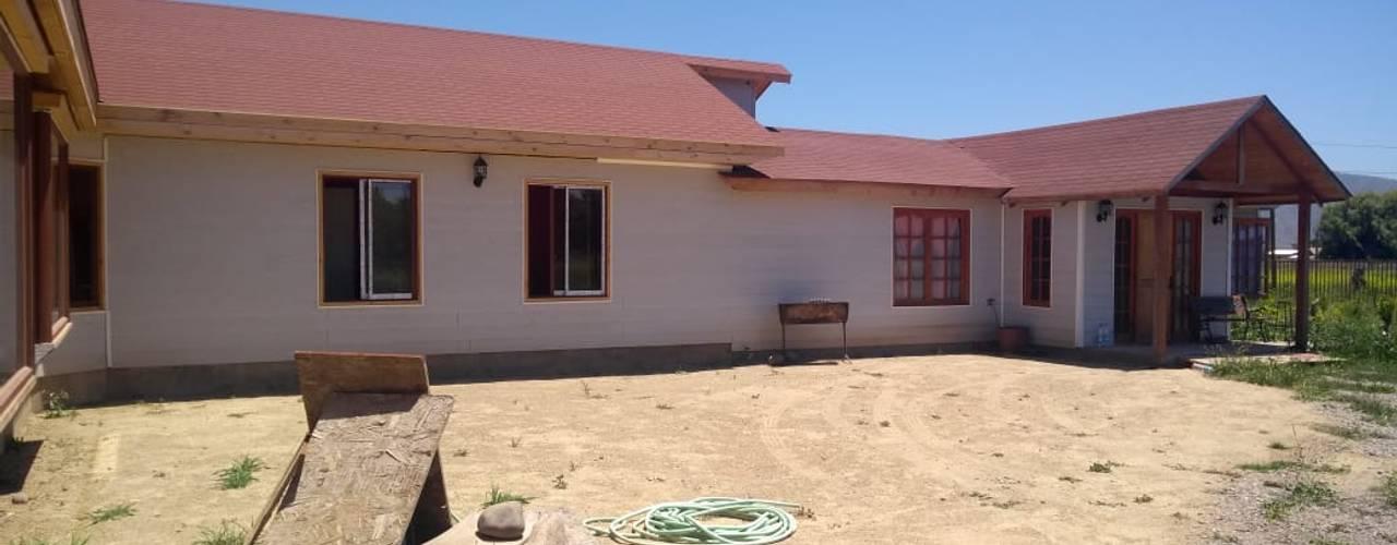 Construcción de Casa en Melipilla por Constuctora Santa Raquel: Casas unifamiliares de estilo  por Ingeniería y Construcción Santa Raquel ltda.