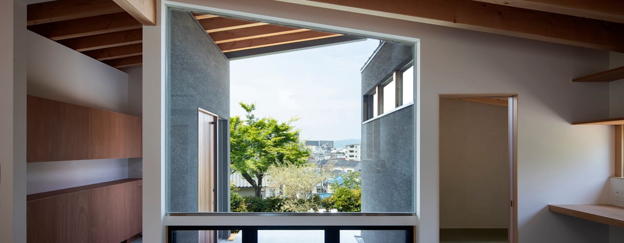 Modern windows & doors by 井上久実設計室 Modern