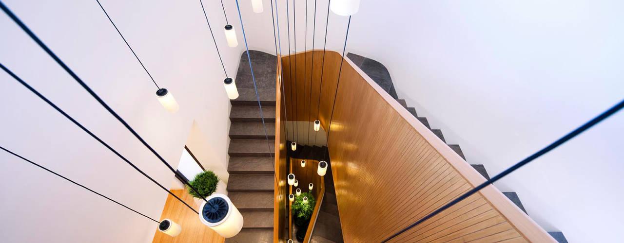 Mop House: Proyecto arquitectónico de una casa unifamiliar en Kuwait por AGI de AGi architects arquitectos y diseñadores en Madrid Minimalista