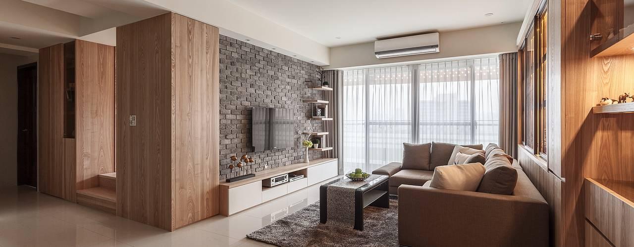 樂高達人居所 現代風玄關、走廊與階梯 根據 鼎士達室內裝修企劃 現代風