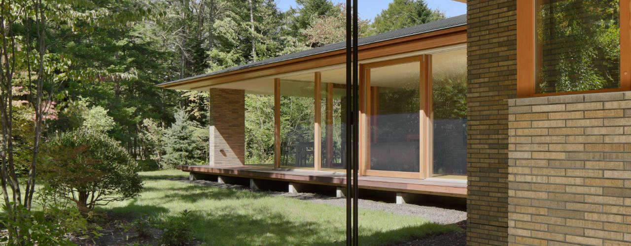 外観: atelier137 ARCHITECTURAL DESIGN OFFICEが手掛けた別荘です。