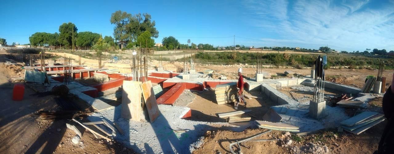 Cimentación y encofrados : Casas unifamilares de estilo  de Vidal Molina Arquitectos