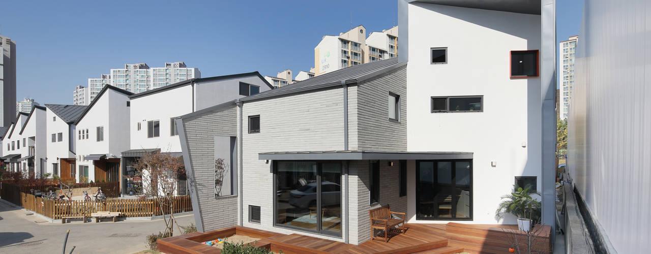 좁은땅을 디자인으로 극복한 용인주택 주택설계전문 디자인그룹 홈스타일토토 목조 주택 돌 화이트