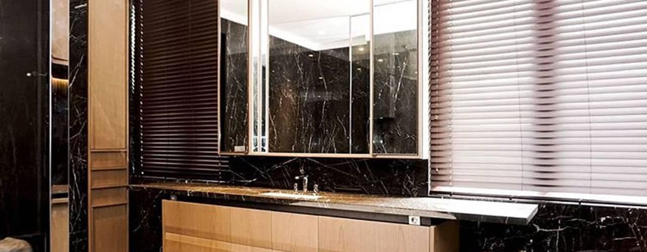 Bathroom IP:  Kamar Mandi by ARF interior
