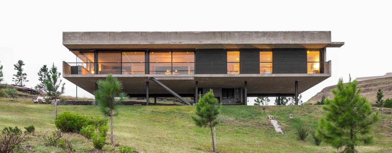 Casa en Los Molinos: Casas de campo de estilo  por TECTUM,Moderno