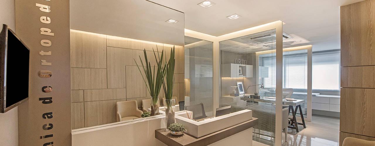 Clínicas y consultorios médicos de estilo  por BG arquitetura | Projetos Comerciais