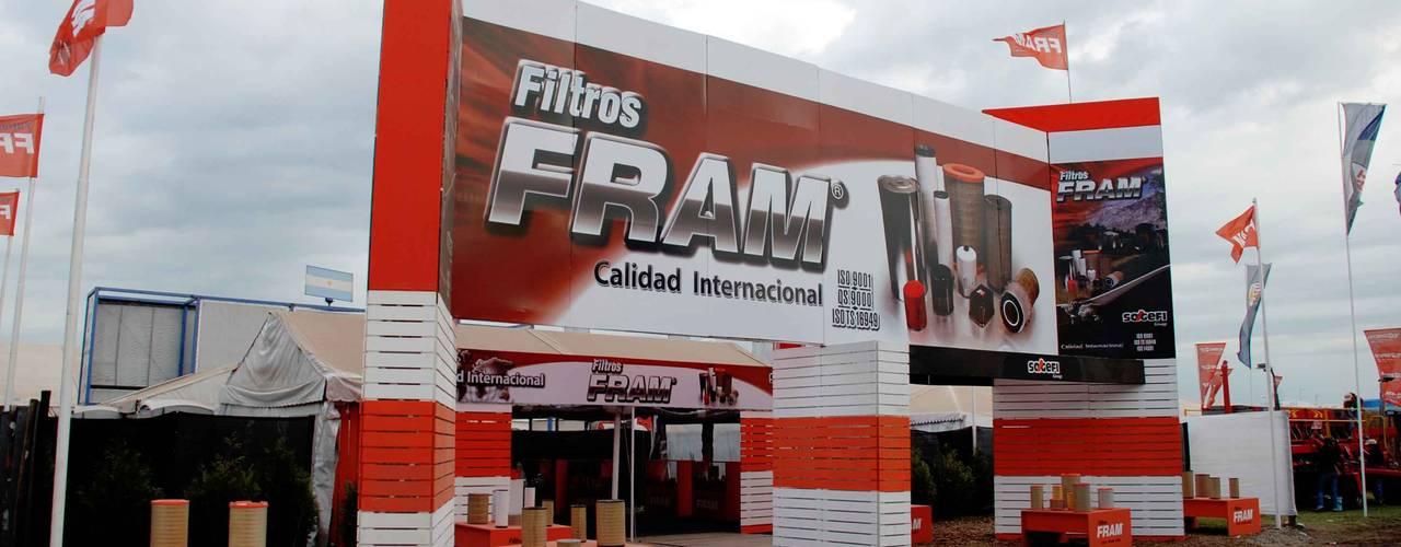 Vista de ingreso : Centros de exposiciones de estilo  por Faerman Stands y Asoc S.R.L. - Arquitectos - Rosario