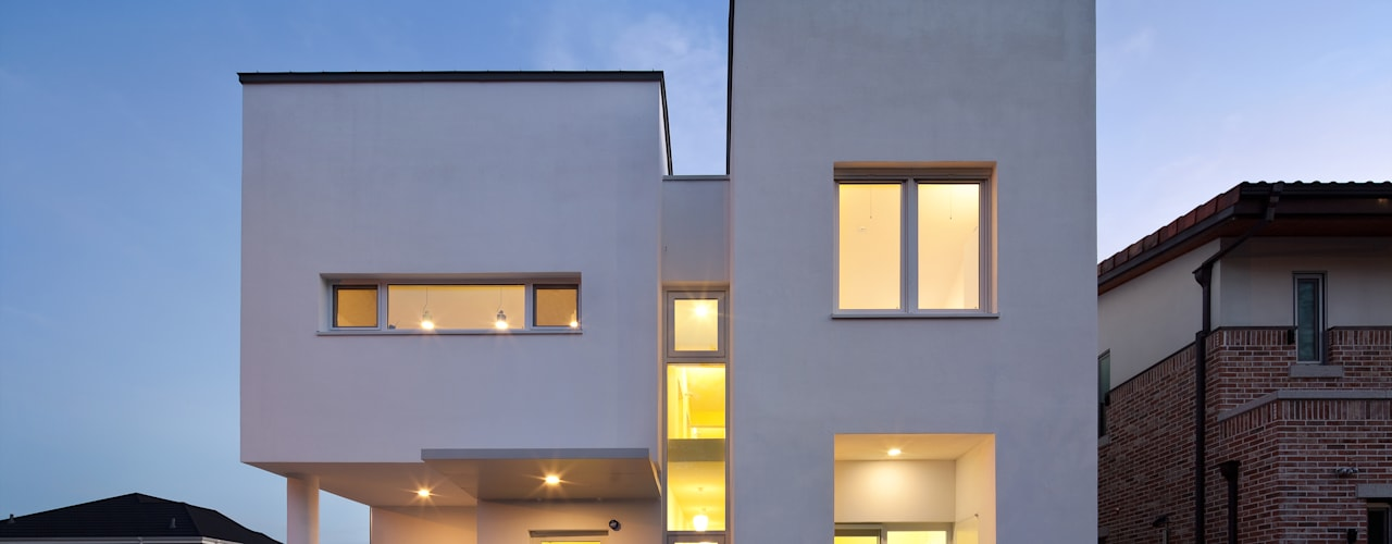 정면: 건축사사무소 모뉴멘타의  주택