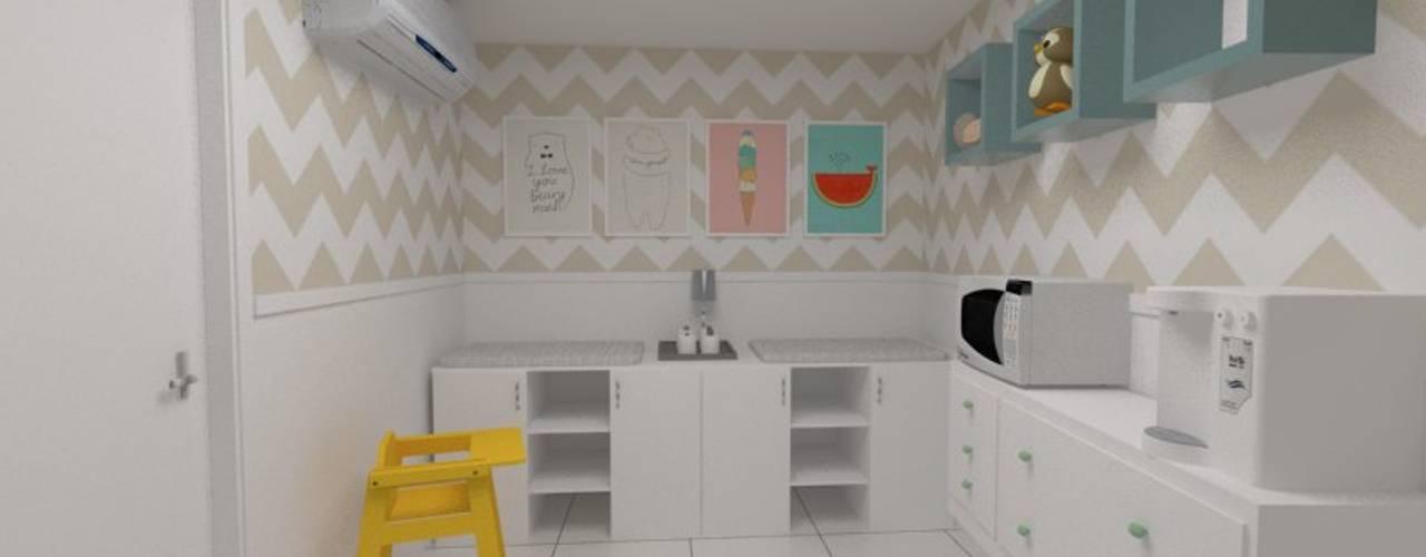 Fraldário em Salão de festas: Quartos de bebê  por Oria Arquitetura & Construções