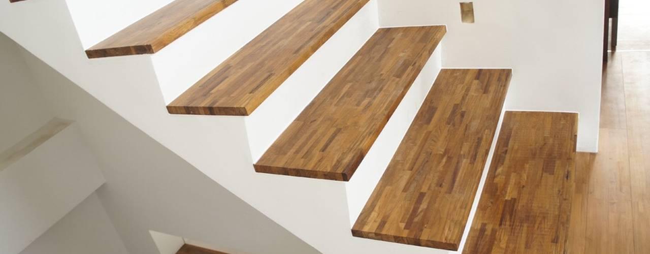 Escalier de style  par 茂林樓梯扶手地板工程團隊