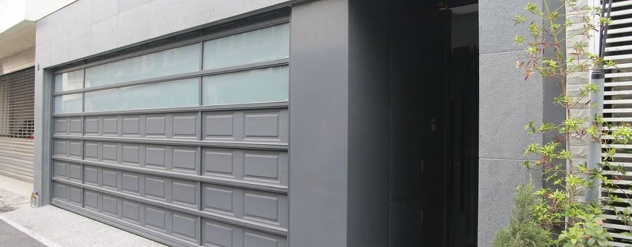 勻境設計 Unispace Designs Garage Doors Grey