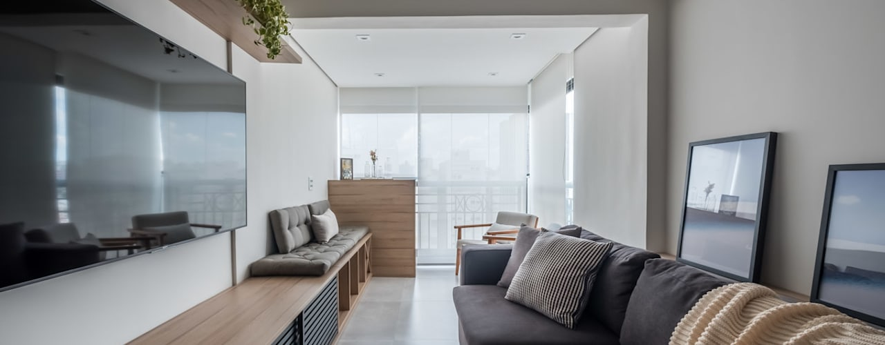 Apartamento Moderno, Clean, Contemporaneo e Funcional de Jovem Casal Mirá Arquitetura Salas de estar modernas Madeira Branco