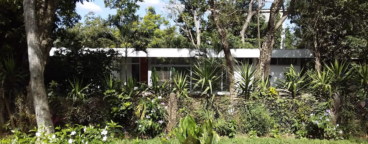 Diseño de Casa en Managua, Nicaragua por SMF Arquitectos de SMF Arquitectos / Juan Martín Flores, Enrique Speroni, Gabriel Martinez Moderno