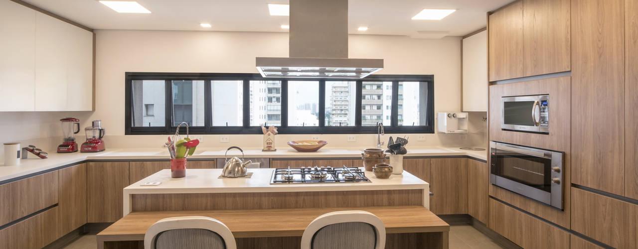 Cozinha de Alto Padrão com Bancada em Corian® Branco Lnormand Interiores CozinhaBancadas Branco