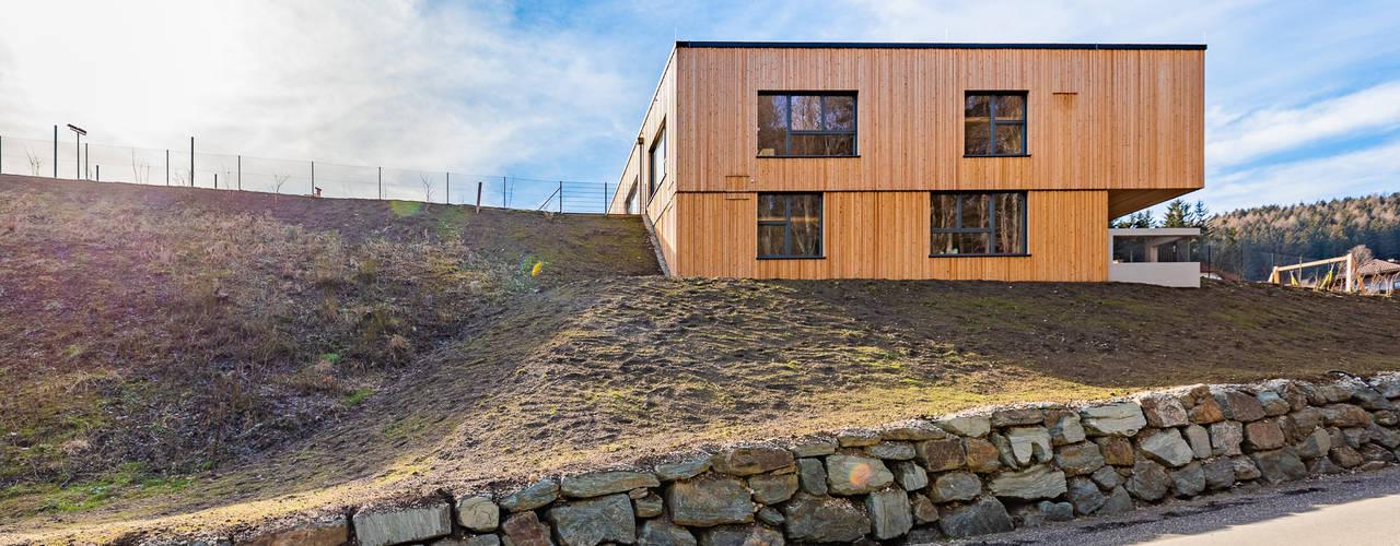 Wohlfühl-Kindergarten aus Holz archipur Architekten aus Wien Moderne Schulen Holz