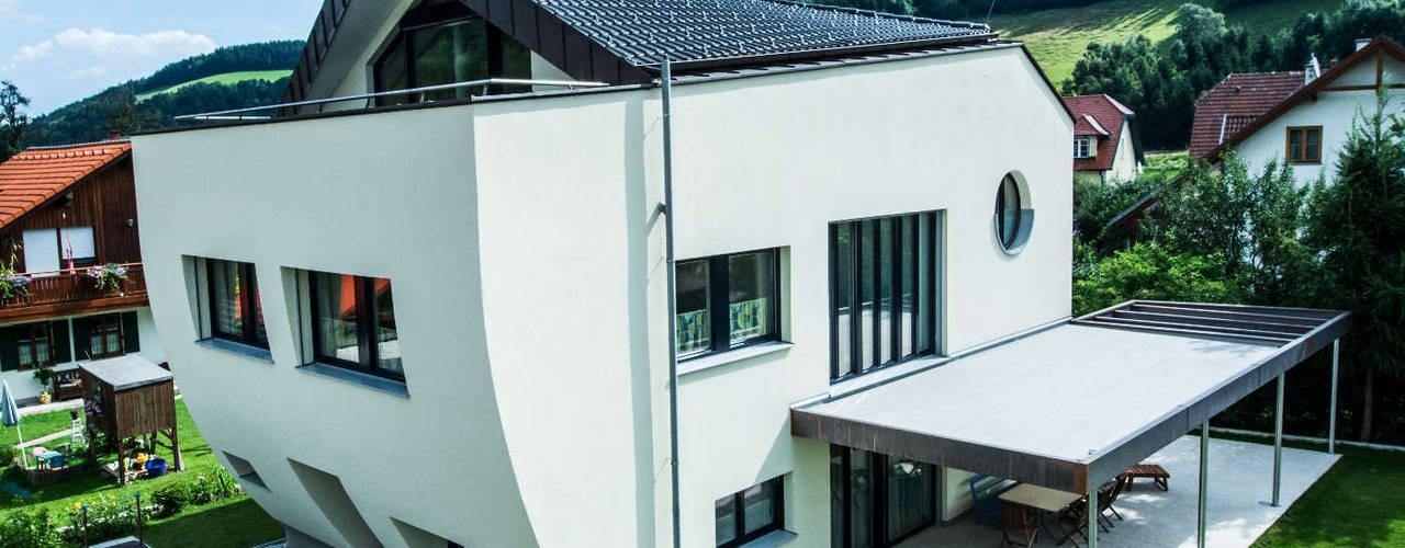 от archipur Architekten aus Wien Модерн