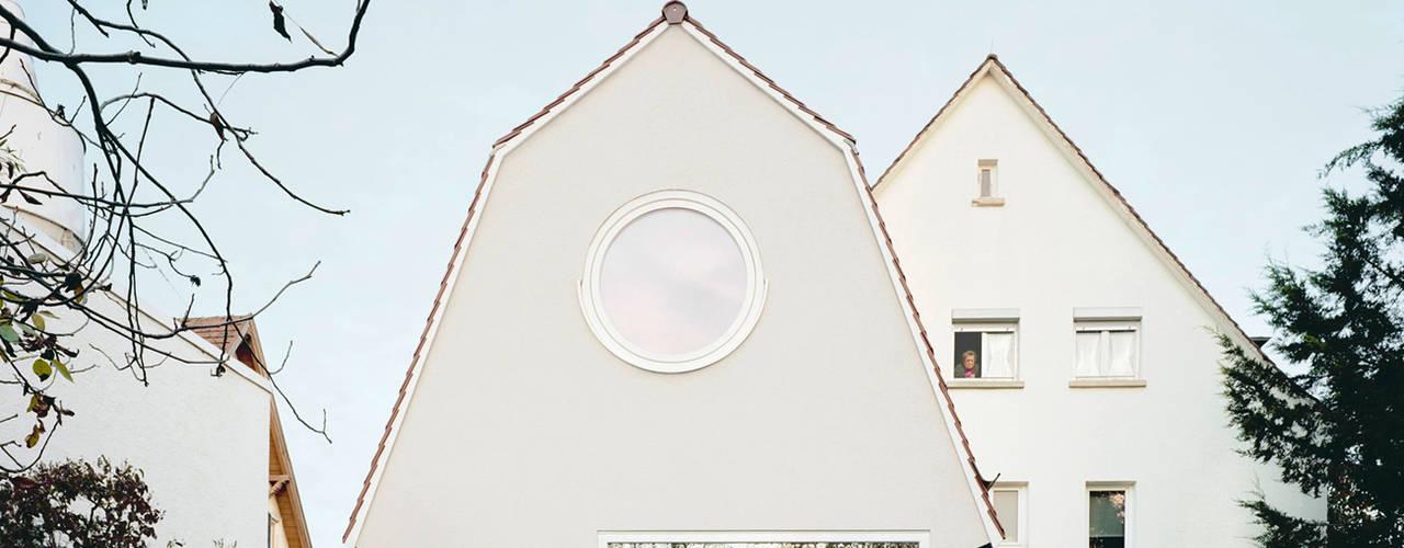 van AMUNT Architekten in Stuttgart und Aachen Modern
