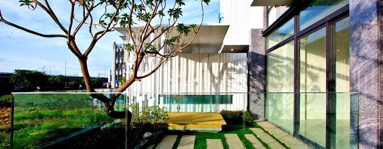 景觀設計 | 白色方盒建築:   by 大桓設計顧問有限公司