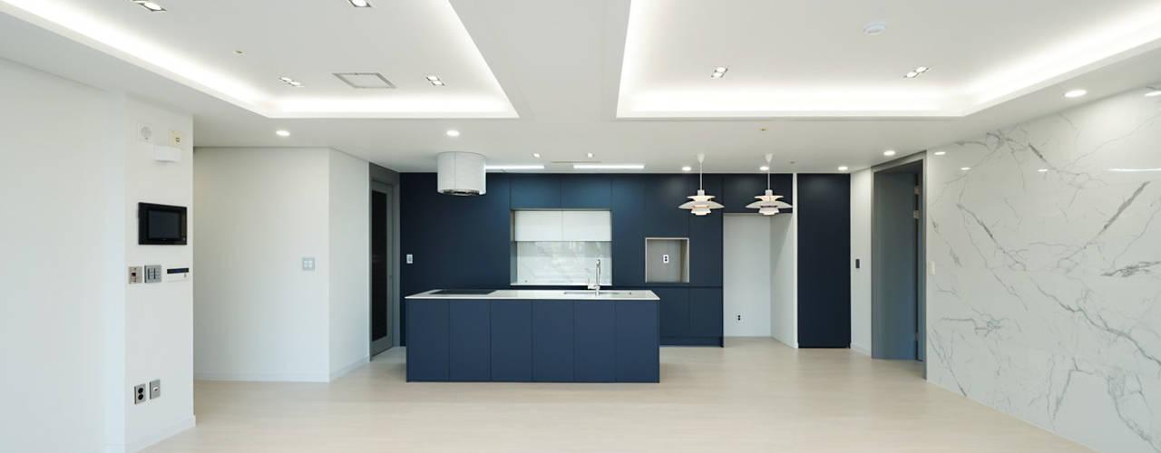 송도 퍼스트월드 골드포인트 모던하우스: 디자인 아버의  주방