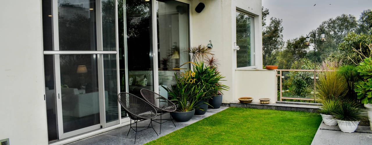 4 BHK luxury residential interior, location greater-kailash delhi   : modern  by Eagle Decor,Modern