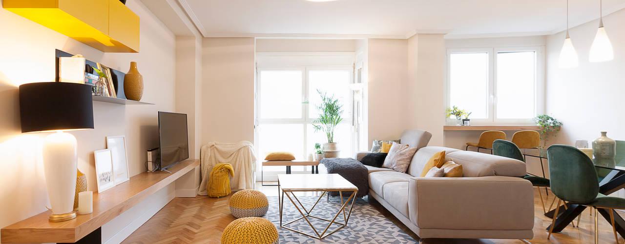 Proyecto de interiorismo y decoración en un apartamento en Madrid Interioristas Dimeic, diseñadores y decoradores en Madrid Salones de estilo moderno Beige