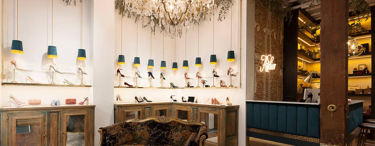 Proyecto comercial de tienda de zapatos en Madrid Oficinas y tiendas de estilo ecléctico de Interioristas Dimeic, diseñadores y decoradores en Madrid Ecléctico