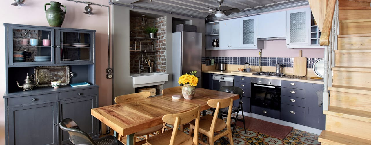 Private House Project by KAROİSTANBUL:  Kitchen by KAROİSTANBUL, Rustic