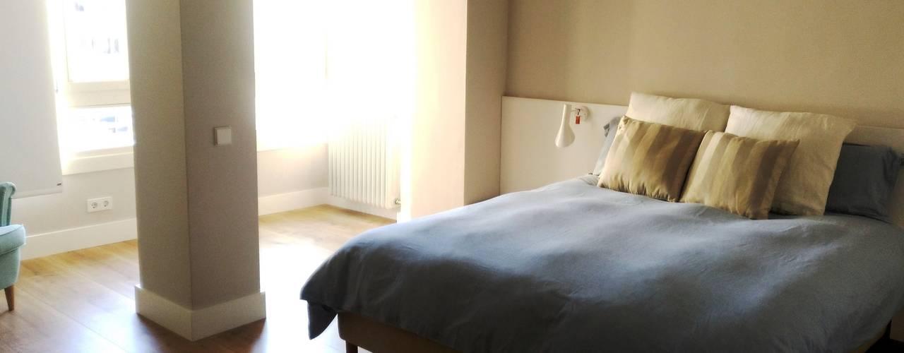 Zona Yin - dormitorio: Dormitorios de estilo  de Arpa'Studio Arquitectura y Feng Shui