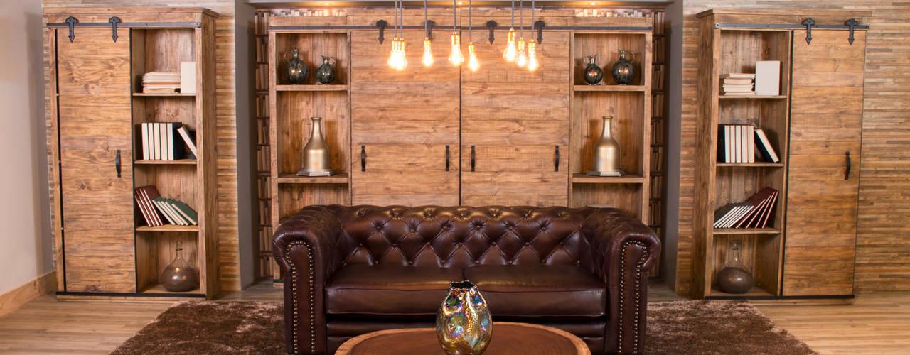 Diseño icónico: sala Chesterfield:  de estilo  por Casa de las Lomas,