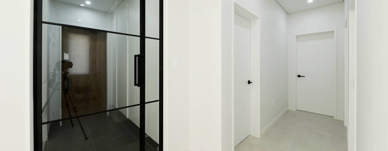 양평 문호리 단층주택 모던스타일 복도, 현관 & 계단 by 바른주택 모던