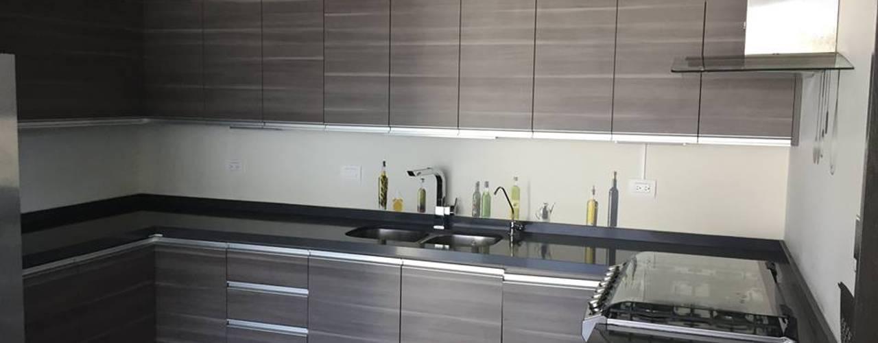 置入式廚房 by Arquitecto-Villarino, 現代風