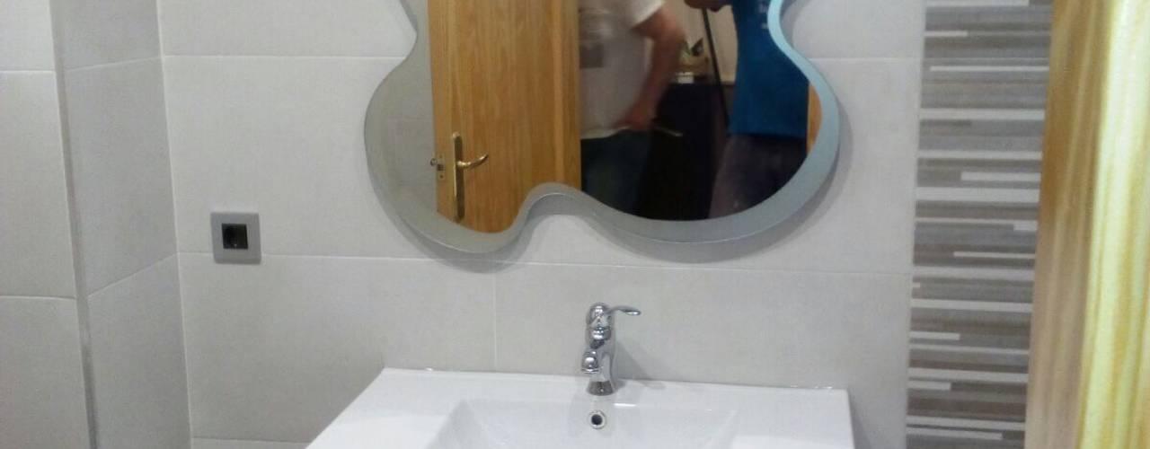 Reforma baños en Alicante:  de estilo  de Obrisa Reformas y rehabilitaciones.