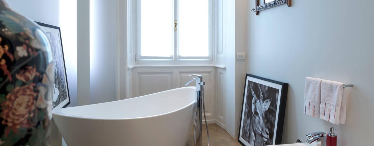 Costa Zanibelli associati Modern bathroom