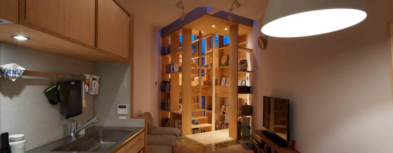 帝塚山の家/House in Tezukayama 藤原・室 建築設計事務所 モダンデザインの リビング