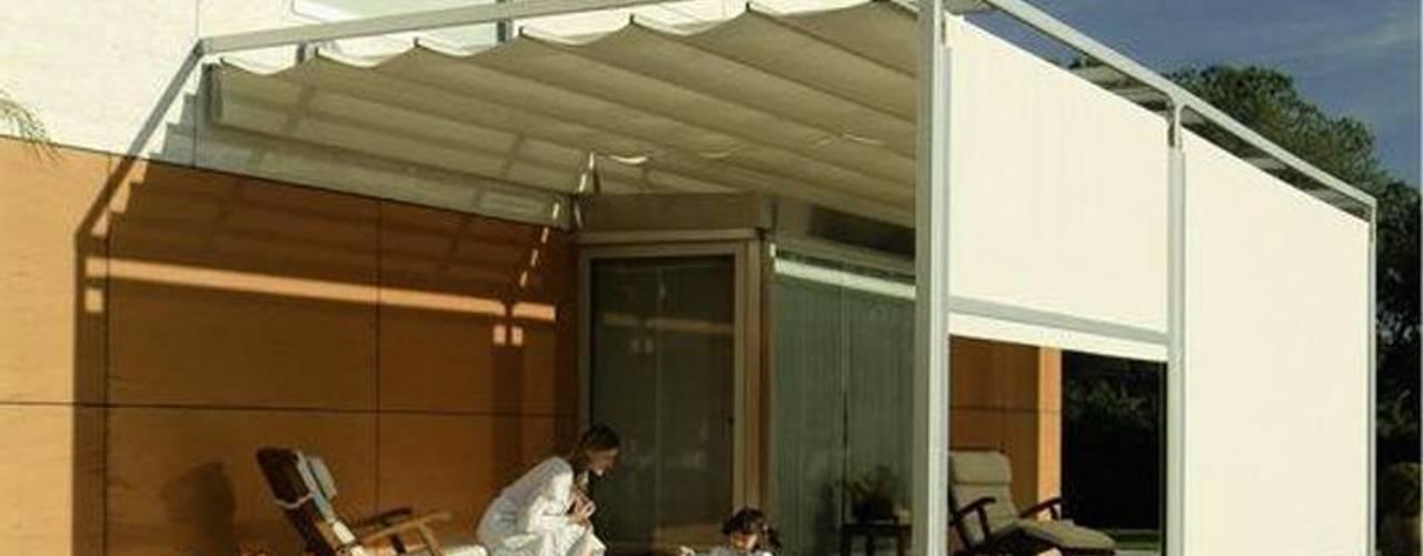 TOLDOS CLOT, S.L. Garden Greenhouses & pavilions White