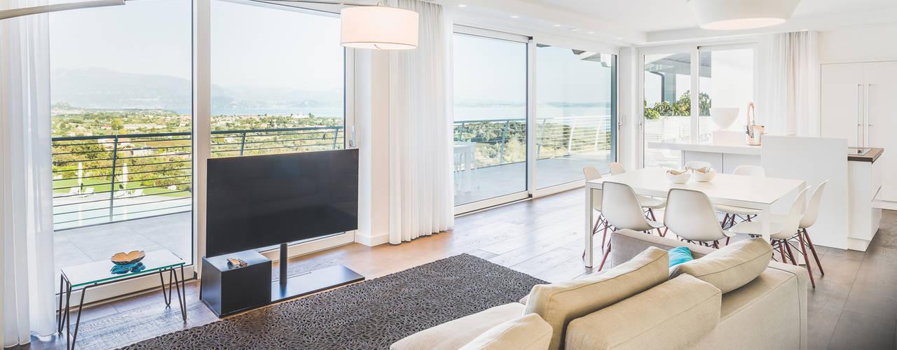 Vetrate panoramiche Ercole Srl Finestre & Porte in stile minimalista Vetro Metallizzato/Argento