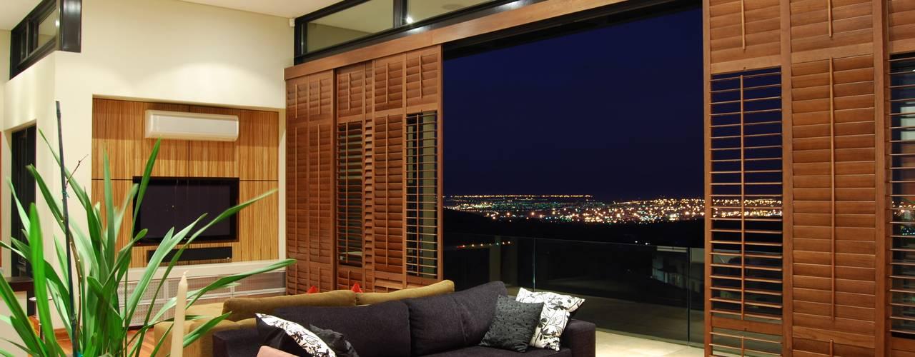 Hillside Haven - Loft House Bassonia by CKW Lifestyle Associates PTY Ltd Modern