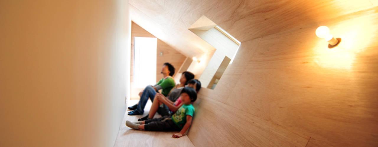 +3/11 オリジナルスタイルの 玄関&廊下&階段 の モノスタ'70 オリジナル