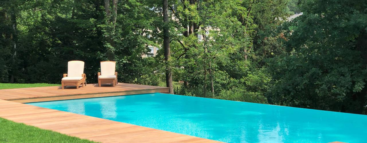 Infinity Pool in der Nähe von Frankfurt a.M.:  Infinity pool von Kirchner Garten & Teich GmbH,
