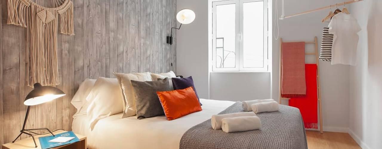 São Bento Studio III Rafaela Fraga Brás Design de Interiores & Homestyling Quartos pequenos Multicolor