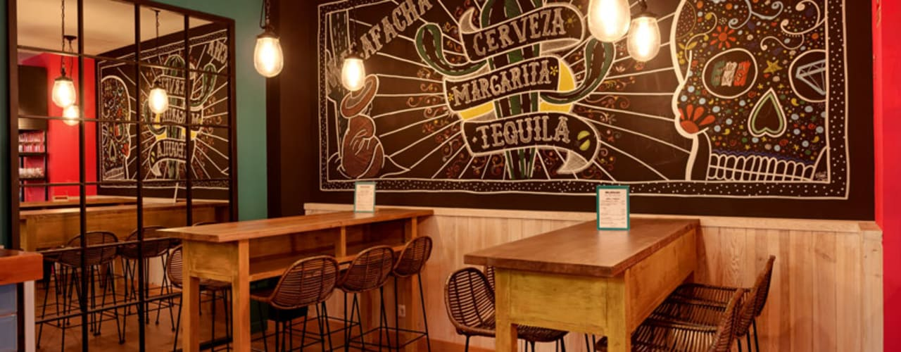 Proyecto de reforma, interiorismo y decoración de restaurante mejicano en Valladolid Gastronomía de estilo ecléctico de MEDITERRANEAN FUSION S.L. Ecléctico