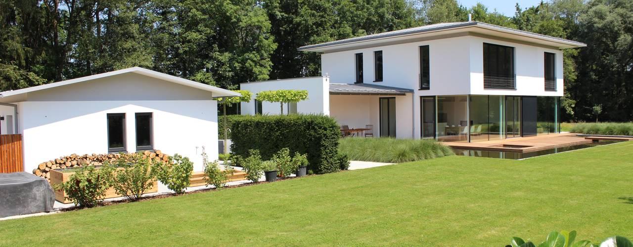 Einfamilienhaus in Prien am Chiemsee von Architekt Namberger Modern