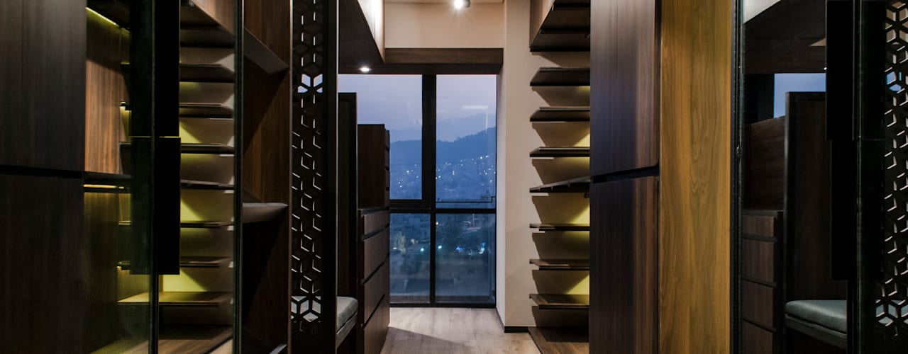 Walk in closet MH Vestidores modernos de Maquiladora de Muebles Moderno
