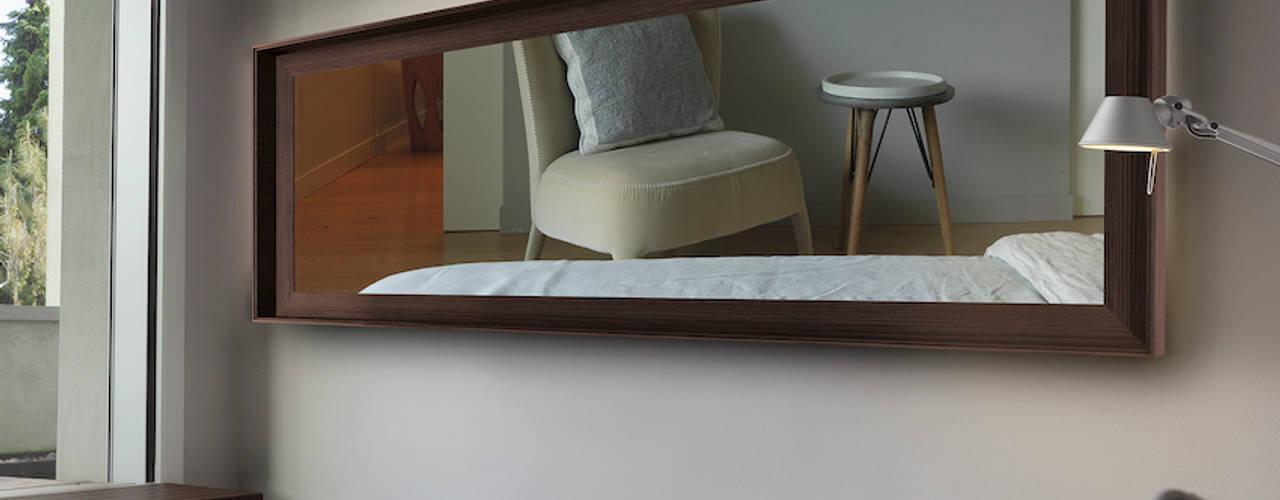 Spiegelheizung von K8 Radiatori RF Design GmbH Moderner Flur, Diele & Treppenhaus