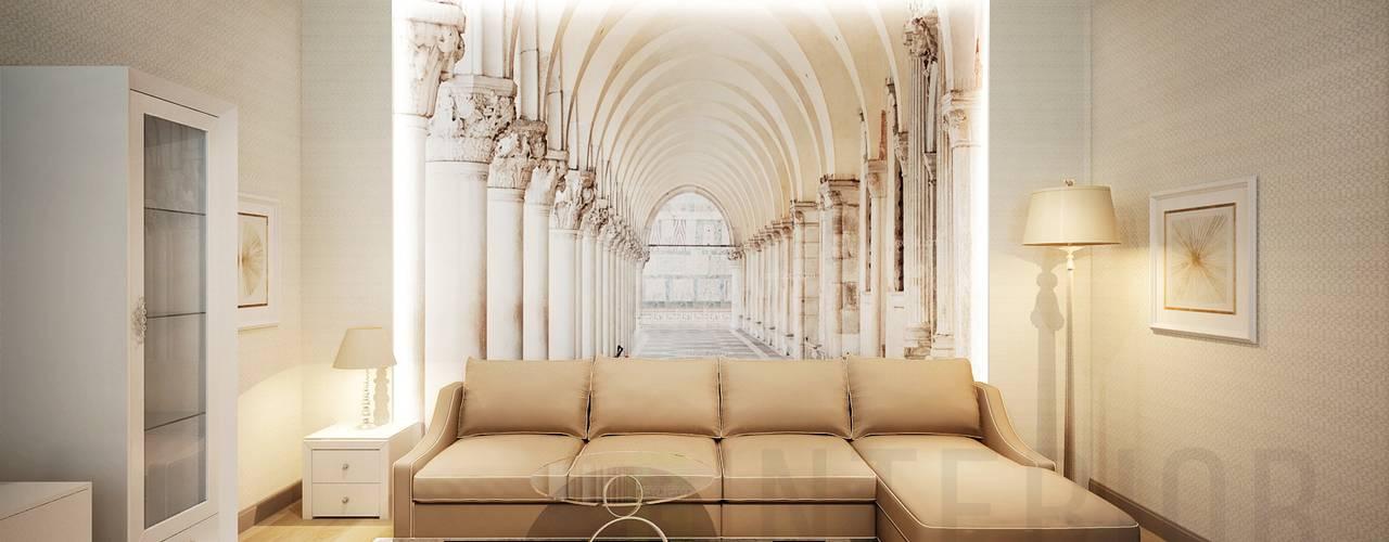 Salones clásicos de Дизайн студия 'Хороший интерьер' Clásico